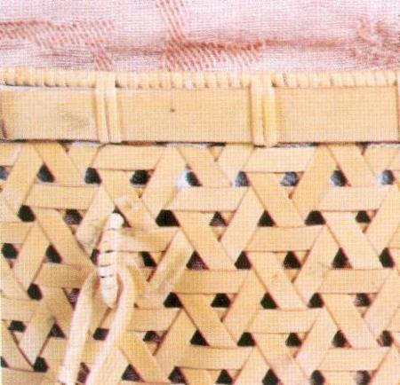 02竹框或籐框收編,藤皮通常是竹編器物紮緣口、繞紋飾的最好材料