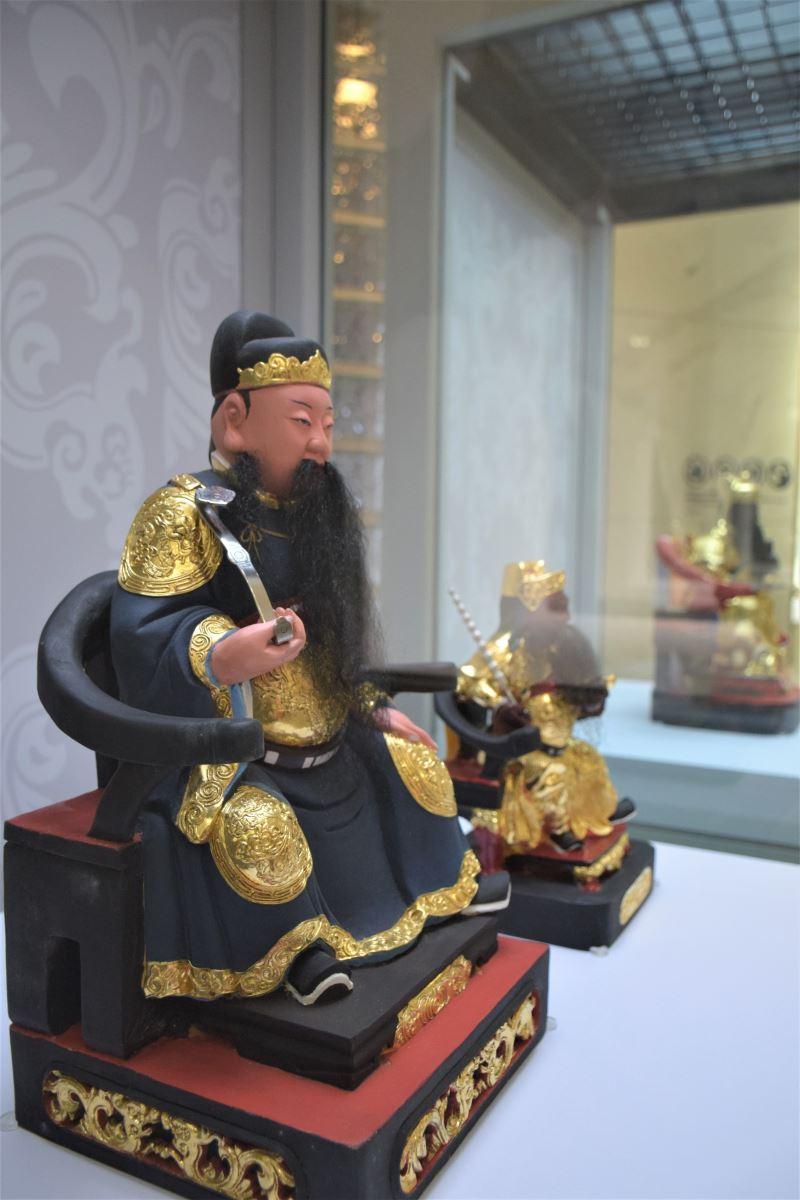 照片5、粧佛工藝師陳宗蔚共展出3件作品,其中包含以宜蘭傳藝園區文昌祠發想而作的「文昌帝君」。