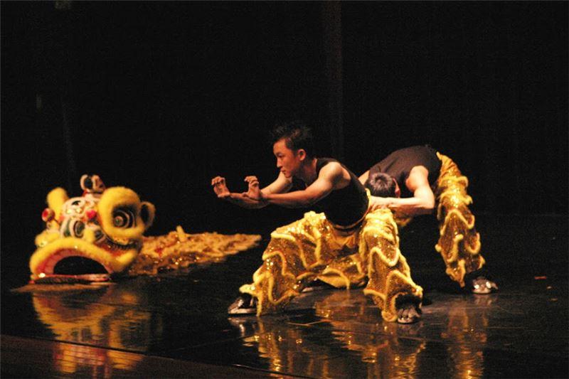《獅子對話》演出照片(2004)。