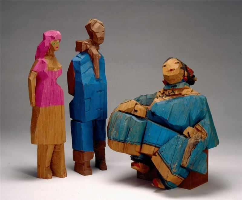Ju Ming〈Gossiping〉1981 Wood carving 53×44×34 cm、67×16×3 cm、61×19×12 cm