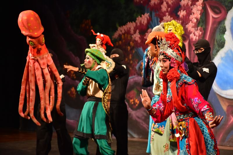 海洋保衛戰 由古都木偶劇團與臺灣豫劇團共同演出3
