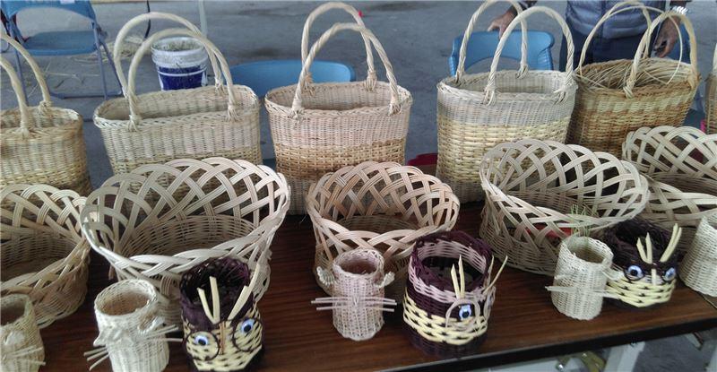 藉由「黑暗部落有機休憩園區」生態旅遊計畫,讓來訪遊客感受達蘭埠部落對於籐竹的運用之生活文化
