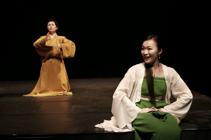 "A scene in "" Zhubun Elopes with a Ghost ""(2006)."