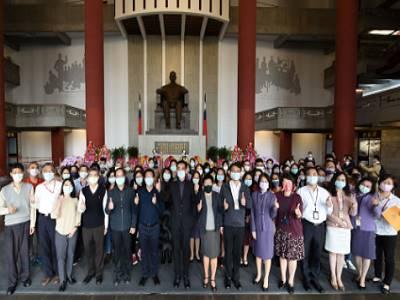 國父紀念館王蘭生館長率全體同仁出席紀念國父逝世96周年活動。