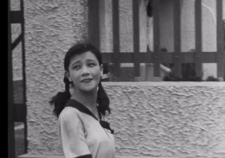 2014年6月,全新數位化的《戀愛與義務》遠征上海國際電影節作為「中國經典影片修復單元」的開幕片,在大光明戲院隆重獻映,為影史一頁新章。