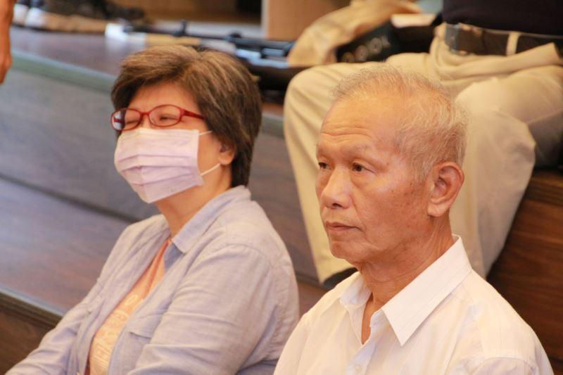 圖3__白恐受難者廖瑞發前輩之子廖至平前會長(右)