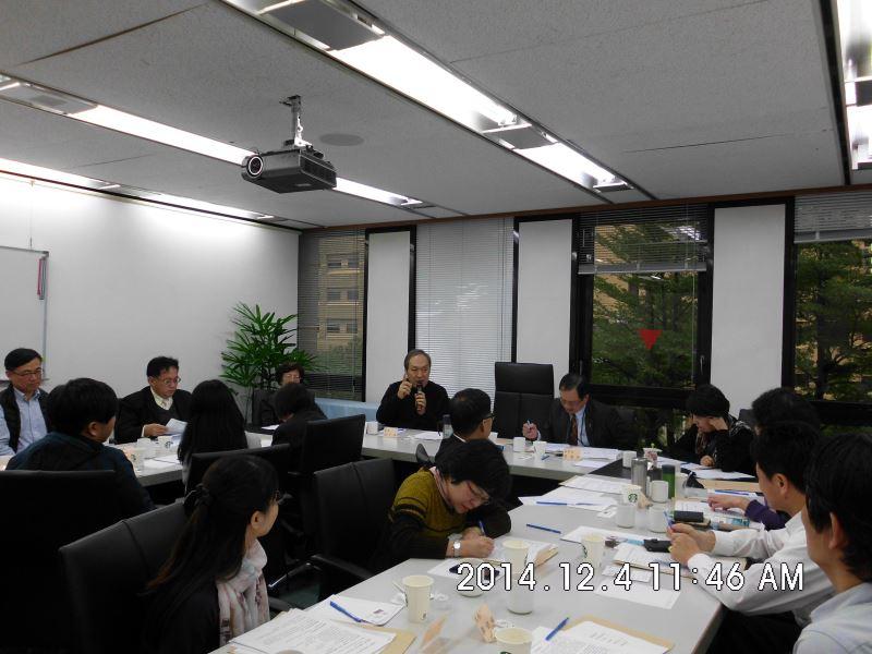 103年度第二場次專家學者諮詢會議-蒙藏委員會海處長答覆說明(後排左一)