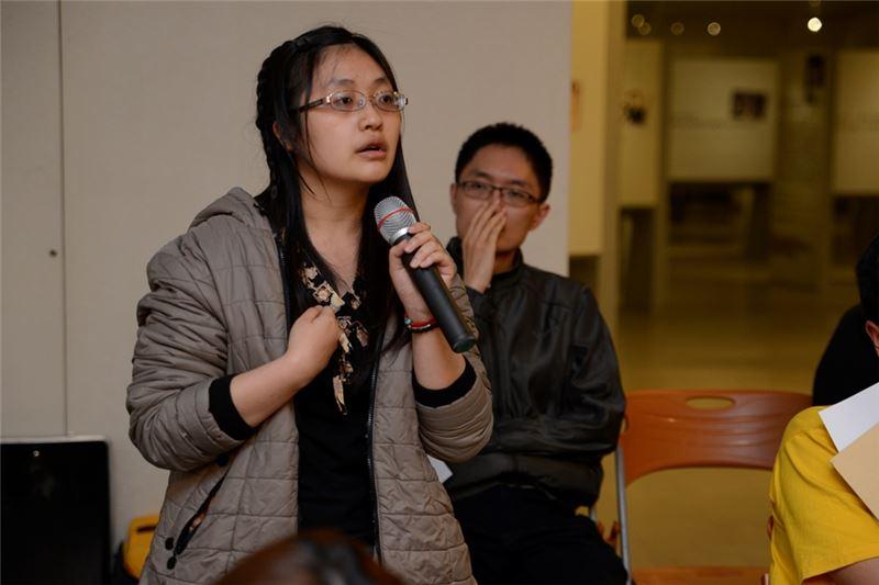 與會中國醫藥大學同學們踴躍發言,表達對白色恐怖人權歷史的關注。