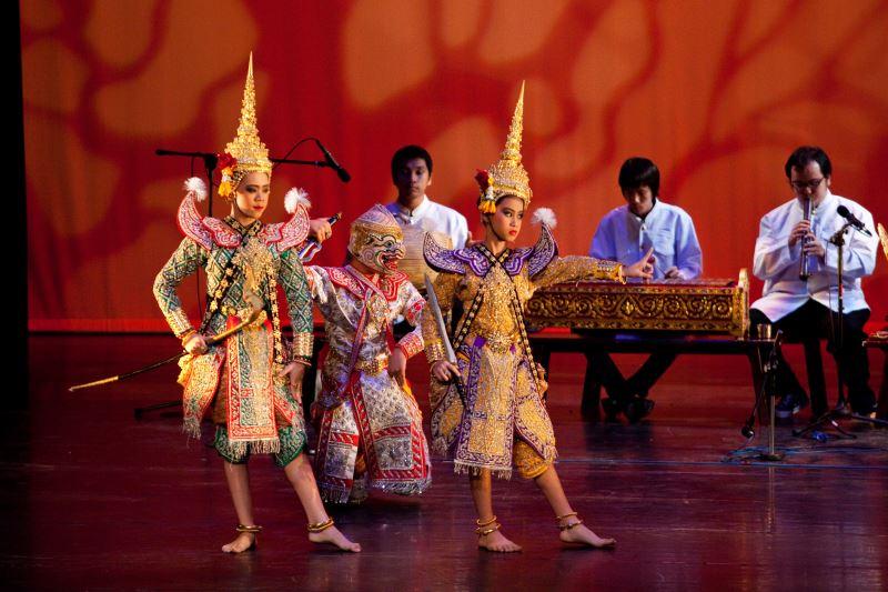 2009亞太泰國曼谷皇家大學傳統樂舞團