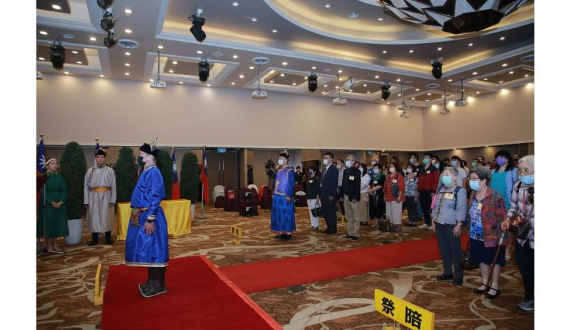 Culture Minister Lee Yung-te presides over Mongolian ceremony.