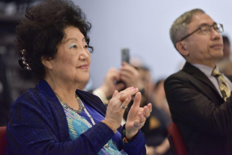 蕭高仁慈(蕭泰然夫人)出席記者會
