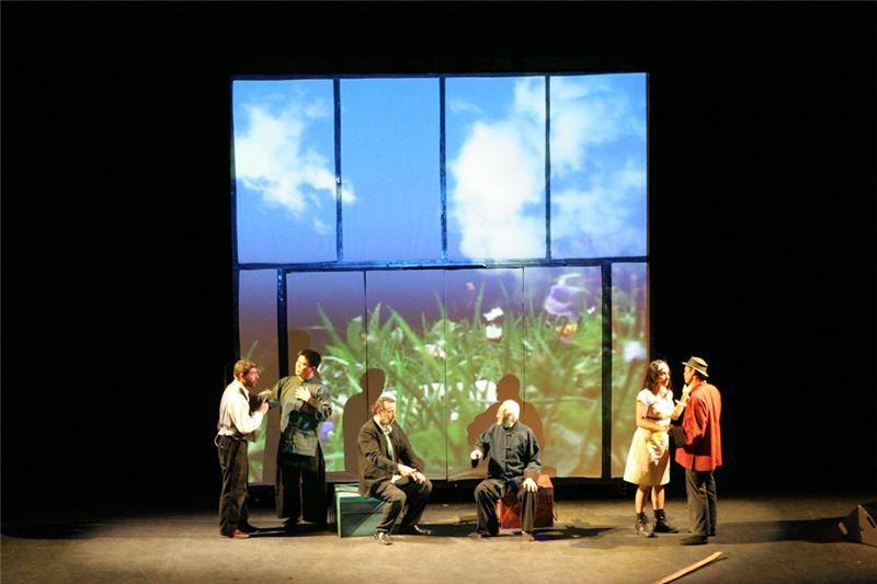 """A scene in """" La Boîte """"(2008)."""