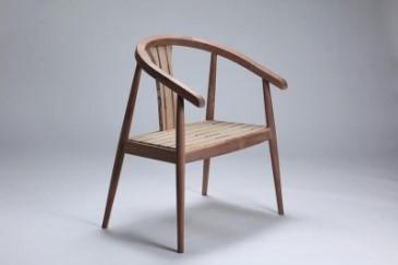李梁安作品「現代明式圈椅」圖