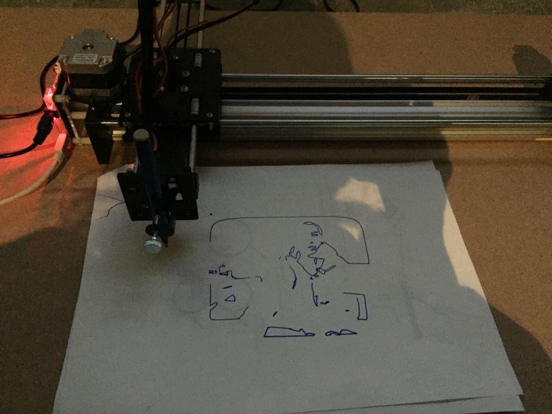 鄭先喻《無題》-機器手臂畫圖