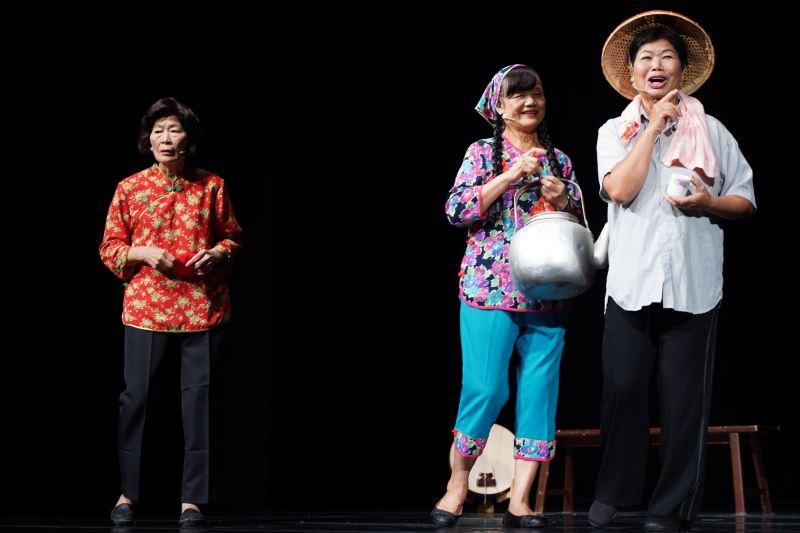 照片-屏東縣滿州鄉民謠協進會演出劇照