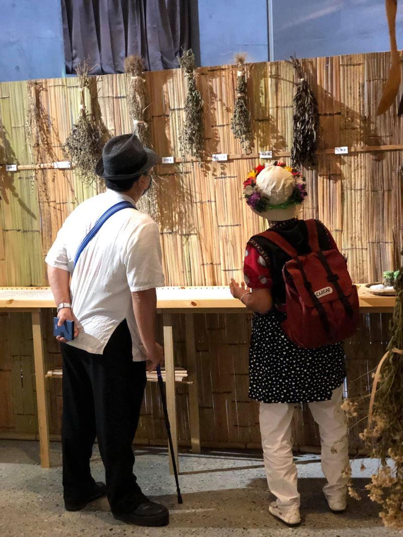 普悠瑪部落的養生草燒酒雞,運用多種民族植物,以食療概念在飲食文化中實踐