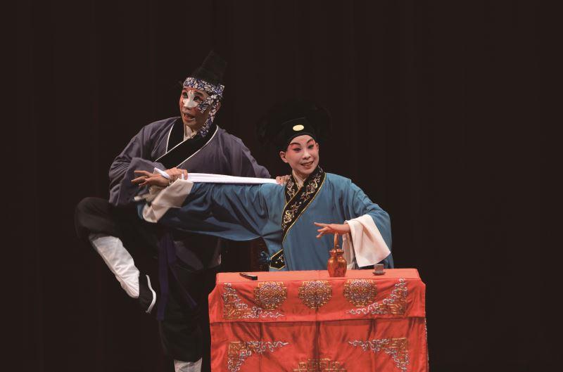 楊汗如在〈湖樓〉飾演秦鍾。
