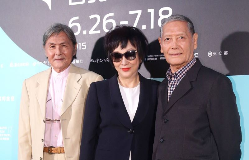from left to right: Pai Ying (白鷹), actress Hsu Feng (徐楓), and Shih Chun