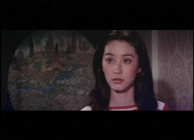 《我是一片雲》改編自瓊瑤同名小說,為1970年代愛情文藝片的代表作之一。林青霞的嬌柔美麗、秦祥林的深情款款、秦漢的誠懇癡情,從戲裡延伸至戲外,轟轟烈烈的三角戀情最終以悲劇收場,成為世代影迷難忘的記憶。