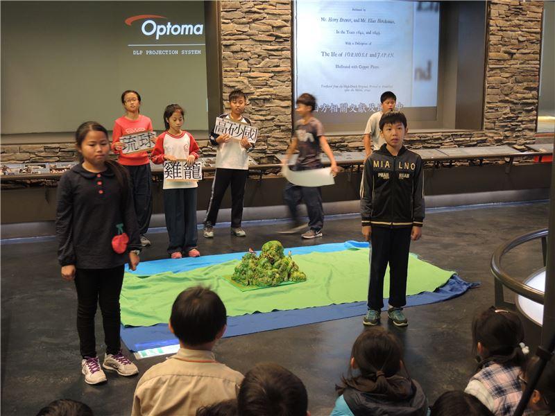 和順專案:由師生共同合作發展劇本、製作道具與排演,讓六年級小朋友們「到博物館演戲去」。