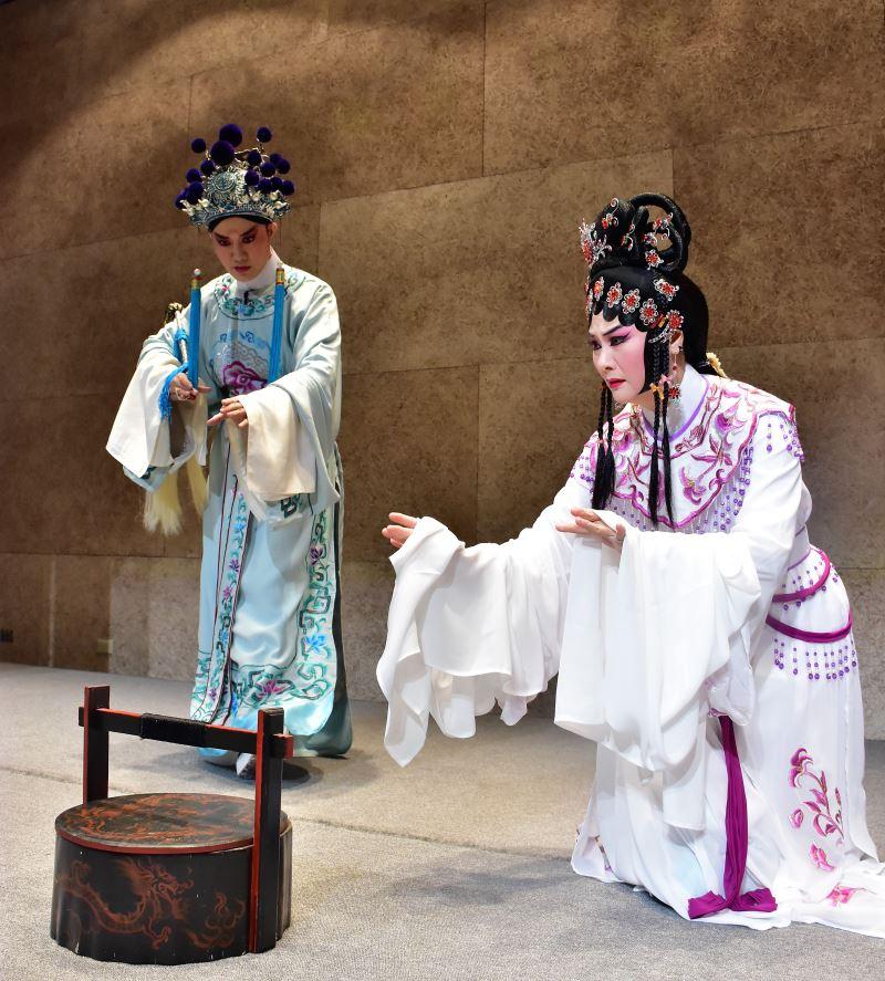 臺灣豫劇團當家花旦蕭揚玲飾寇珠、俊俏王子劉建華飾陳琳4