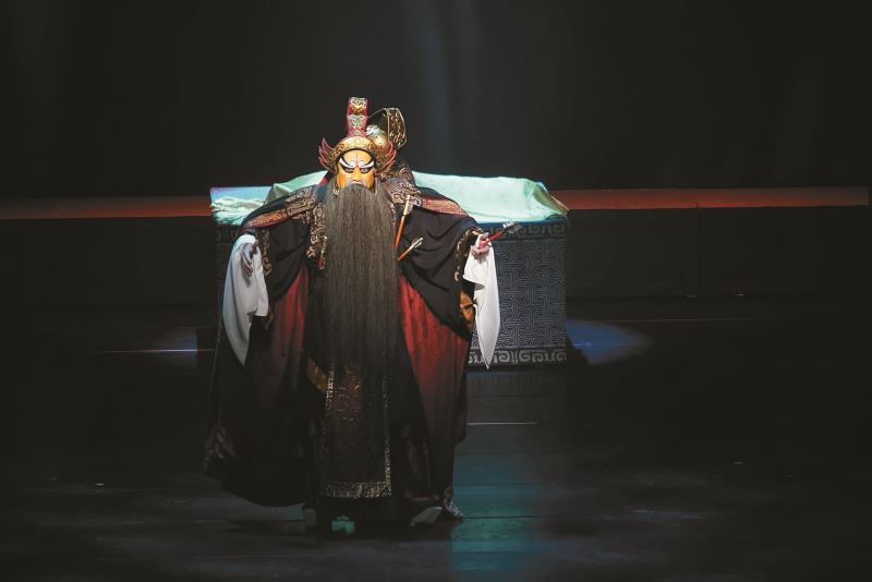 新編崑劇《雙面吳起》丁揚士飾演吳起,譜寫一段狀烈悲涼的英雄哀歌。