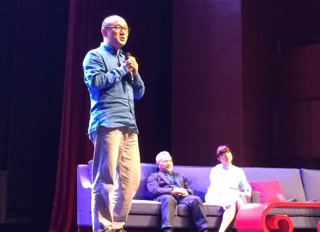 主演溫宇航、魏春榮及導演李小平與台下學生分享《梁祝》創作及表演歷程
