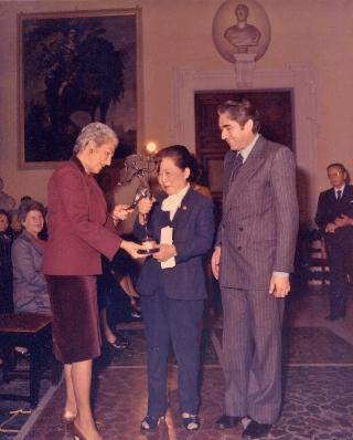 吳健雄接受年度傑出女性獎