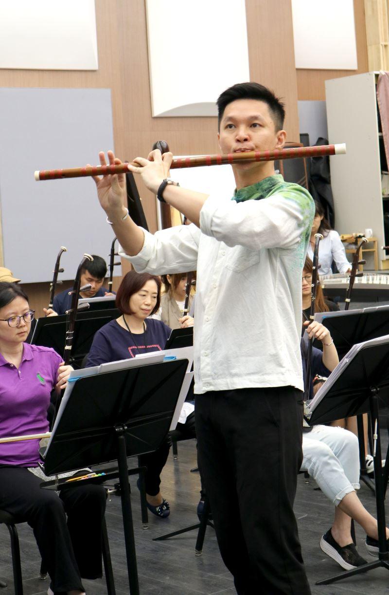 圖6:《春風夜雨情》由臺灣國樂團笛子演奏家張君豪擔綱演出,樂曲以臺語歌謠的素材發展而成,描繪了一段浪漫的愛情、甜美的記憶。