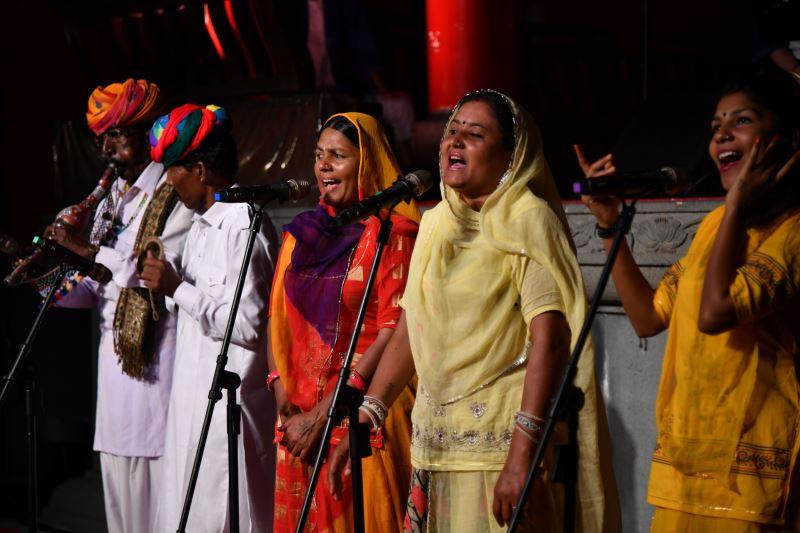印度神秘路徑樂舞團現場演唱弄蛇歌