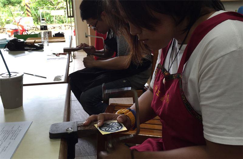高士社區是全臺第一個發展金屬工藝的部落
