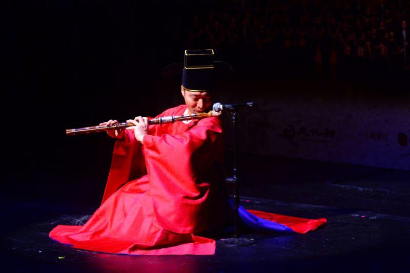 記者會現場照片7:韓國國立國樂院大笒演奏家精彩演繹《淸聲曲》。