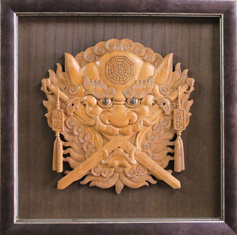 具有傳統意象的作品〈劍獅〉。