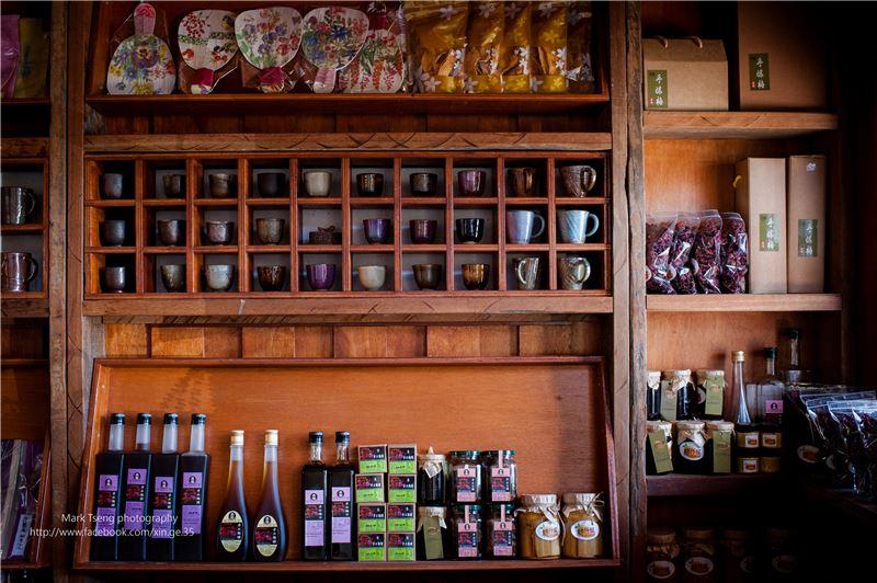 社區櫥窗-社區自己佈置的展售點,販售自己做的地方特色產品