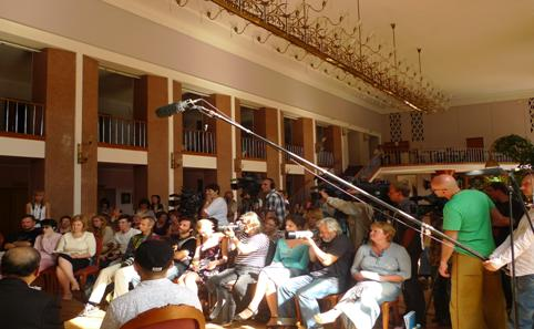 莫斯科當地媒體出席記者會