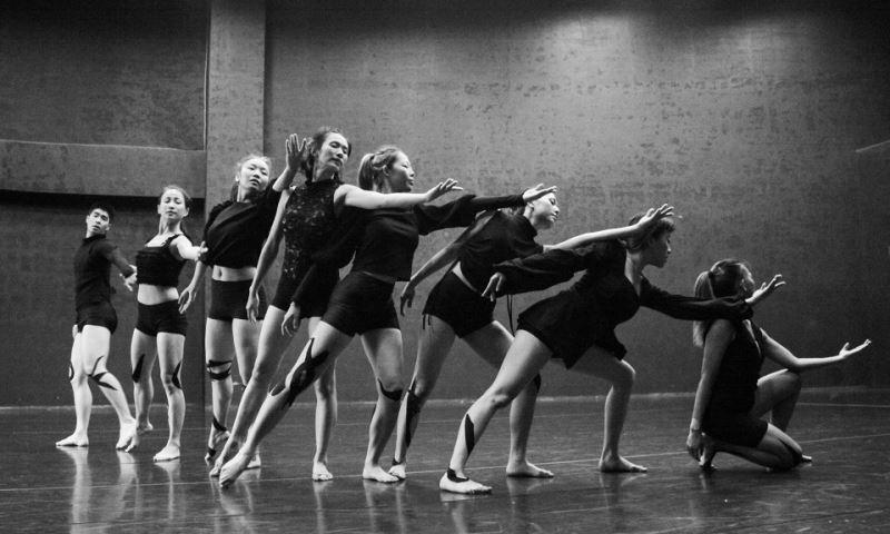 極至體能舞蹈團《普羅米修斯的創造》舞劇8位舞者排練照