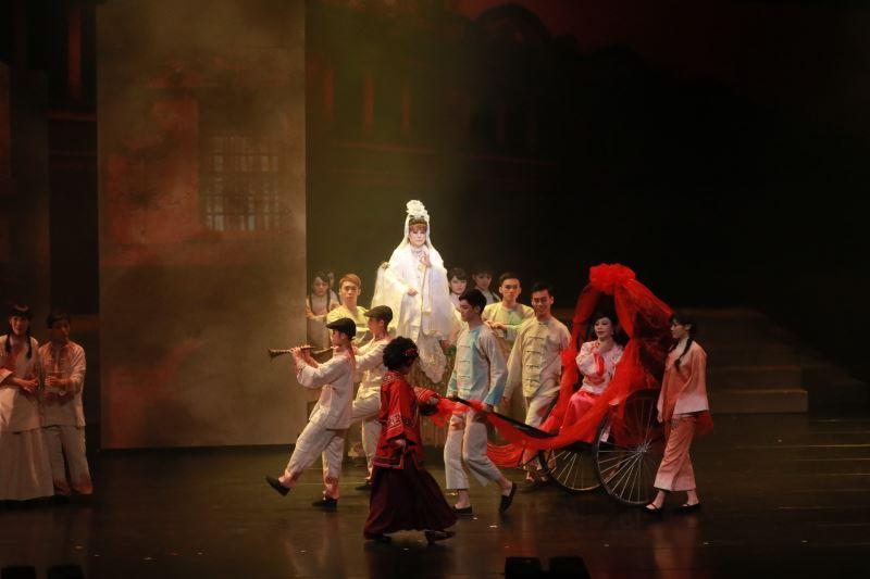 《安平追想曲》以臺南安平金小姐的故事為靈感,專為臺南在地的秀琴歌劇團量身打造。