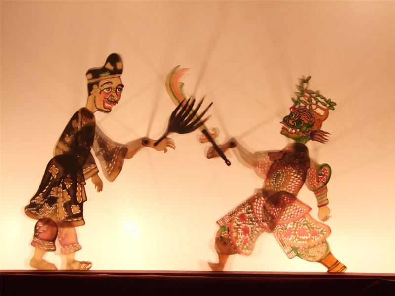 "A scene in "" Ji Gong Fighting Monster Furong "" (2010)."