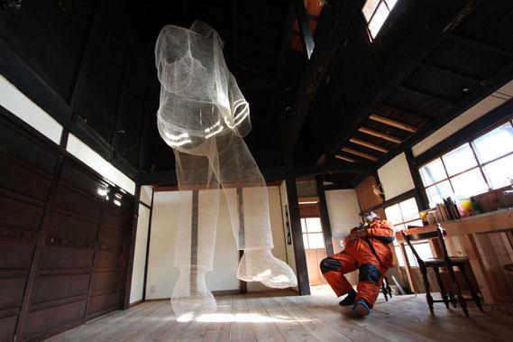 『音楽を聴く人 listening to music 』2013
