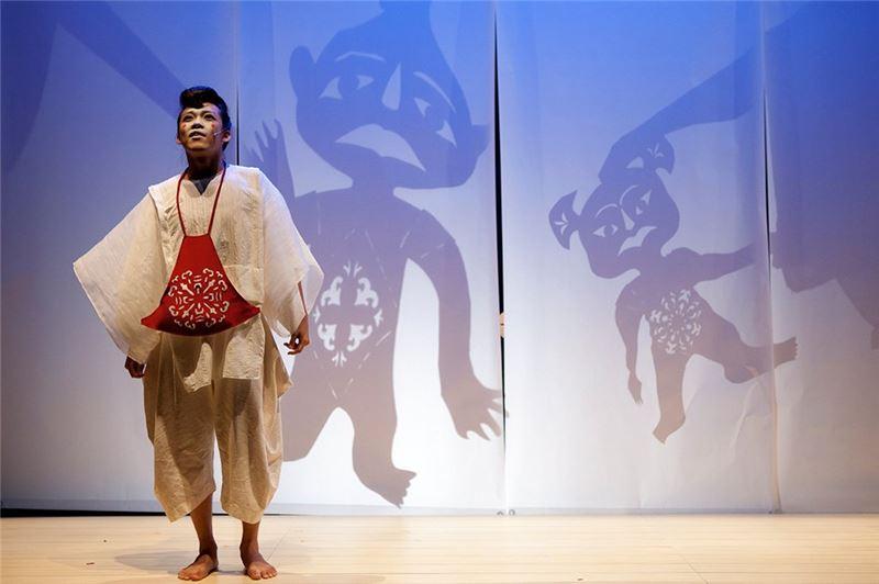 《剪紙人》演出照片(2010)