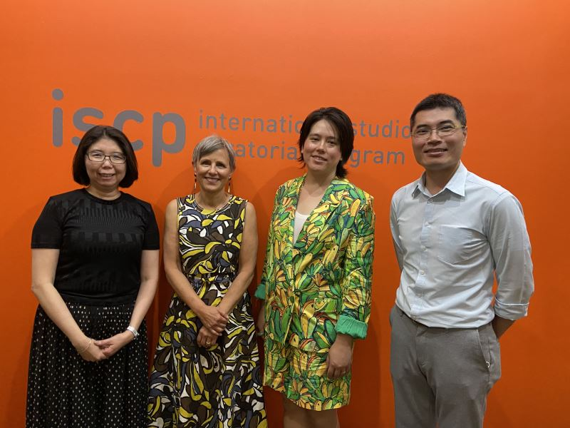 ISCP_Open_House_紐約台北文化中心主任張惠君(左1)拜會紐約駐村機構ISCP總監Susan_Hapgood(左2)