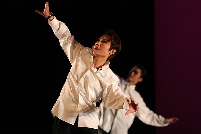 "Performance photo of ""A Beautiful Dream Of Youth""(2005)( Guo Chun-mei as Zhang Wei-xian )"