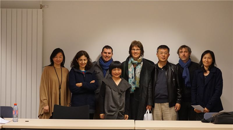 臺灣詩人葉覓覓在里昂第三大學進行講座