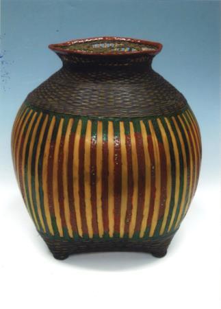 籃胎漆器花器
