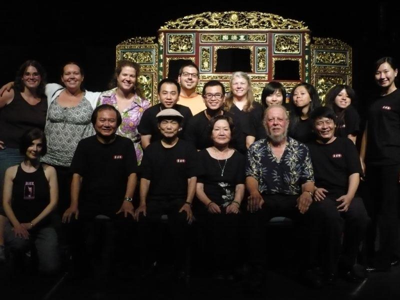 圖4:真快樂掌中劇團全新演繹經典金光戲齣,刻畫秦雨揚、華鳳櫻與慕容飛雪的三角苦戀。