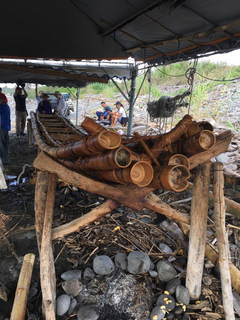 史前館『3萬年前的航海』計畫-由LAWAI工藝師利用7根巨竹打造而成IRA2號