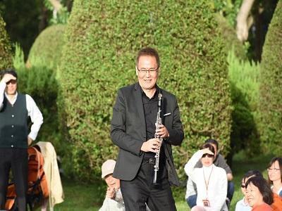 單簧管教父陳威稜演奏。
