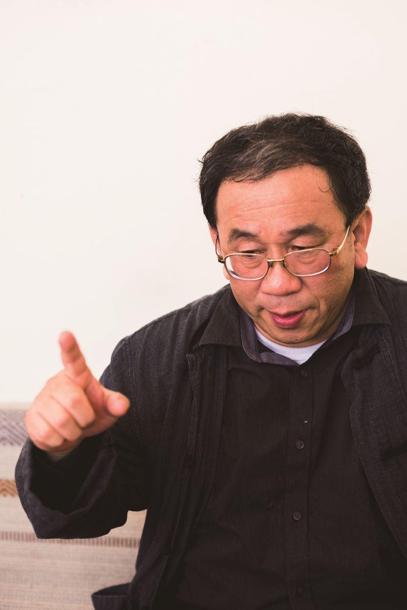 江武昌民俗學者長期從事臺灣傳統戲曲、布袋戲的調查研究工作,著有《臺灣的傀儡戲》、《臺灣布袋戲概說》。