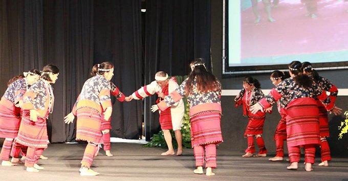 受邀文化部文化資產局參與國際天然染織論壇開幕儀式(2013)