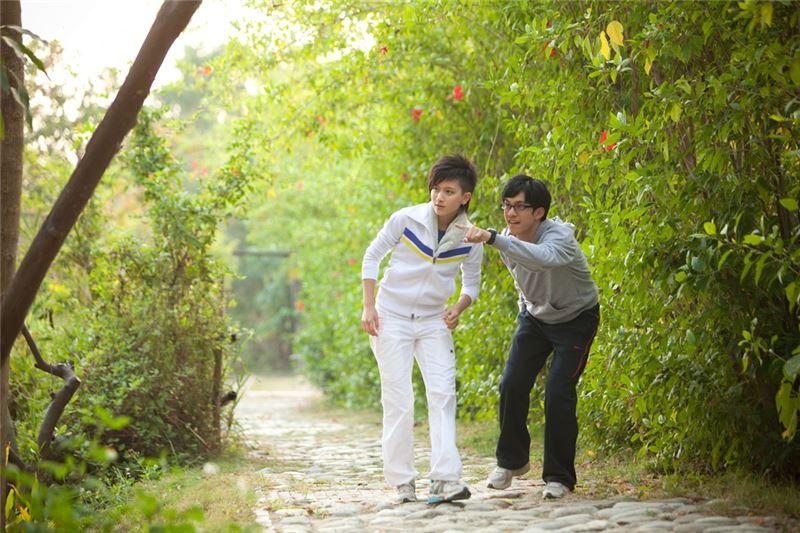 本片源自台灣真實社會案件,由陳耀圻改寫為劇本《路跑酷馬》,後翻拍為電影。導演王小棣擅長小人物通俗戲劇,以家庭通俗喜劇成名於電視;